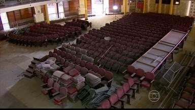 Cheio de histórias, Teatro do Parque, que faz cem anos e não tem o que comemorar - Local está fechado e sem obra alguma acontecendo.