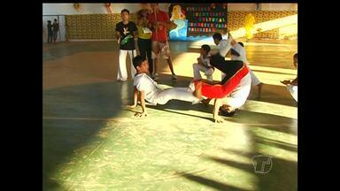 Em Santarém, alunos da escola Padre Manuel Albuquerque realizam mostra cultural - Evento foi realizado em comemoração ao Dia do Folclore.