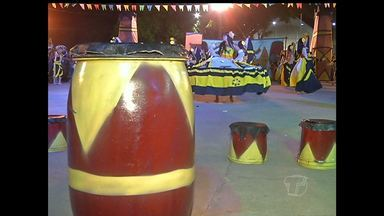 Carimbó marca penúltima noite do 41º Festival Folclórico de Santarém - Mais de dez grupos de dança abrilhantaram a noite de sábado (22).