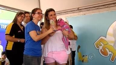 """'Estimação' reune cinco mil pessoas durante evento em Araçatuba - A primeira edição do evento """"Estimacão"""" em Araçatuba (SP) reuniu um público de cinco mil pessoas. O evento da TV Tem proporcionou um domingo diferente para quem tem bichinho de estimação. Oportunidade também para adotar um animal."""
