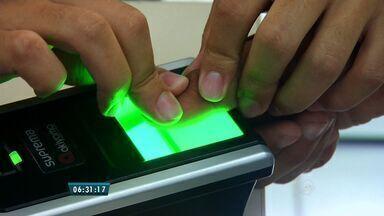Mais de 87 mil eleitores da região sul do CE devem passar por recadastramento biométrico - Impressão digital será necessária durante as eleições de 2016.
