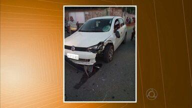 Idosos ficam feridos em acidente que aconteceu em Campina Grande - Carro e moto bateram de frente e um casal de idosos ficou ferido.