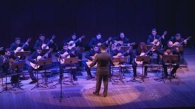 Orquestra de Violões apresenta espetáculo com canções de Bach - Compositor foi homenageado no Teatro Amazonas.