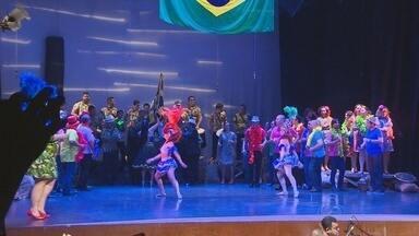 Teatro Amazonas recebe segunda apresentação do Coral Fest - Mistura cultural deu tom de espetáculo, que foi bastante aplaudido pelo público.