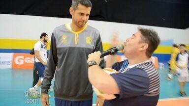 Bastidores do São José Vôlei no Tênis Clube com promoção e Dante - Dante é atração em jogo em São José dos Campos