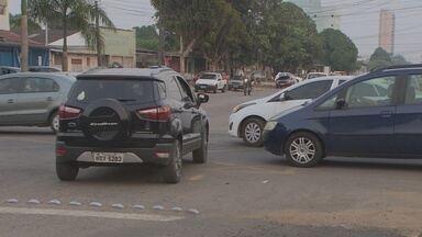 Motoristas não respeitam cruzamentos em Porto Velho - Equipe de reportagem flagrou muitas imprudências durante a gravação.