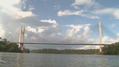 Abertura da Ponte Binacional pode estar próximo - Depois que o congresso aprovou três acordos entre Brasil e França, a utilização da ponte binacional parece estar mais próxima. Mas se no aspecto político o processo teve avanço, o mesmo não se pode dizer da estrutura do lado brasileiro.