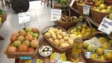 IBGE aponta queda de 0,45% no preço dos alimentos e bebidas no mês de agosto - Batata, tomate e feijão são alguns dos produtos que tiveram deflação.