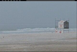 Frente fria traz possibilidade de ressaca no litoral do interior do Rio - Ondas podem chegar a 3,5 metros em alto mar.