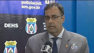 Suspeito de jogar filho no Rio Negro volta a prestar depoimento à polícia - Delegado Ivo Martins fala sobre crime no Rio Negro e sobre prisão de homem suspeito de matar mulher.