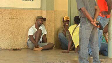 Sem empregos, haitianos vivem de doações em Cuiabá - Sem empregos, haitianos vivem de doações em Cuiabá