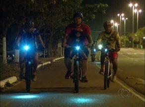 Ciclistas reclamam de escuridão na ponte que liga Palmas e Paraíso do TO - Ciclistas reclamam de escuridão na ponte que liga Palmas e Paraíso do TO