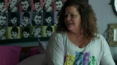 Lourdeca questiona sexualidade de Visky - Os dois trocam ofensas ao perceberem que passaram mais uma noite juntos