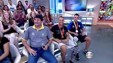 Encontro recebe atletas paralímpicos Guilherme e Renato - Técnico ressalta a importância do esporte