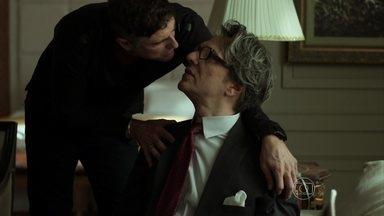 Maurice convida Anthony para ir com ele para Paris - Alex atende a ligação de Fanny. Anthony não aceita o convite