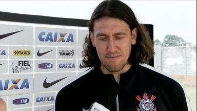Cássio esquece dores do Dérbi e mira decisão contra o Grêmio na Arena - Cássio esquece dores do Dérbi e mira decisão contra o Grêmio na Arena