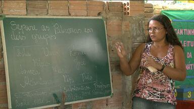 Pais de estudantes de Alcântara (MA) reclamam do fechamento de escolas - Pais de estudantes da Zona Rural de Alcântara (MA) reclamam do fechamento de 15 escolas e da transferência dos alunos para locais distantes de casa.