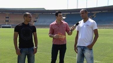 Bruno Lopes e Robston participam de quiz do Globo Esporte - Jogadores do Vila Nova respondem perguntas sobre a Série C