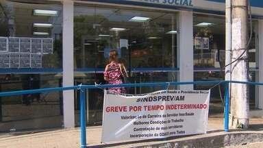 Assembleia entre servidores do INSS discute greve, no AM - Servidores querem reajuste salarial; reunião avaliou proposta do governo federal.