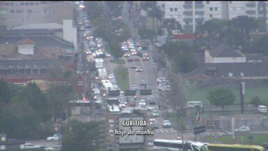 Mesmo depois do fim do feriado, estradas ficam movimentadas no Paraná - Muita gente decidiu aproveitar mais o feriado da Independência e da Padroeira de Curitiba e voltar somente nesta quarta-feira (09), de manhã.