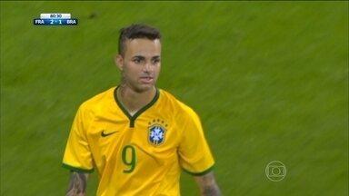 Seleção olímpica do Brasil é derrotado de virada para a França - Brasileiros abrem o placar com gol contra, mas franceses viram o jogo e vencem por 2 a 1.