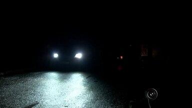 Várias cidades da região ficam sem energia por causa do temporal de terça-feira - Várias cidades da região ficaram sem energia por causa do temporal de terça-feira (8), quase quatro mil casas e prédios foram atingidos e em alguns a interrupção durou várias horas. Engenheiro Schmitt, distrito de Rio Preto, ficou completamente sem luz.