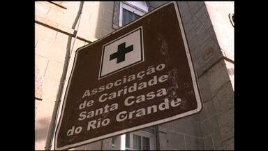 Prefeitura pede reunião emergencial com Governador do Rio Grande do Sul - Atraso no repasse para hospital Santa Casa de Rio Grande, RS, preocupam prefeito Alexandre Lindenmeyer.