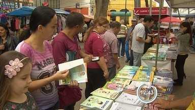 Projeto que estimula o hábito da leitura está em Taubaté - Livros são vendidos com o preço simbólico de R$ 2.