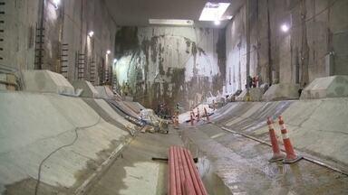 Tatuzão está chegando ao Leblon - O equipamento que perfura os túneis da Linha 4 do metrô está chegando na futura estação Antero de Quental, que já está pronta.