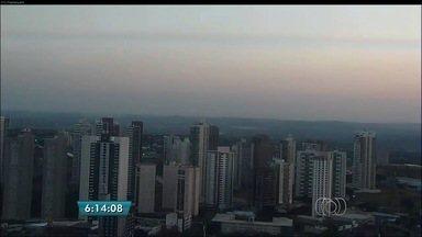 Confira a previsão do tempo para Goiás nesta quarta-feira (16) - Há uma pequena possibilidade de chuva na capital, mas temperaturas continuam elevadas.