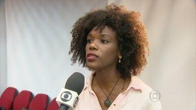 Delegado explica como denunciar casos de racismo - Moradores do Recife contam já ter sido vítimas de preconceito.