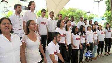 Coral de Arapiraca faz feijoada beneficente - Músicos precisam de dinheiro para participarem de evento internacional no mês de outubro.