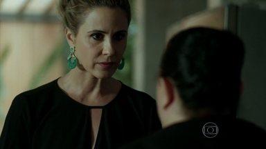 Pia acusa Leidiana de roubar o seu anel - Ela demite a funcionária