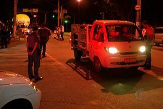 Detran e policias Civil e Militar realizam operação 'Direção Segura', em Mogi. - O telefone para denunciar pessoas dirigindo embriagadas é o 190.