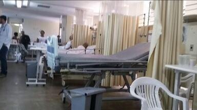 Desespero médico chama atenção para situação do Hospital de Base, do DF - Centro de saúde considerado referência na região Centro Oeste, mas que agoniza sem condições de atender todos os pacientes.