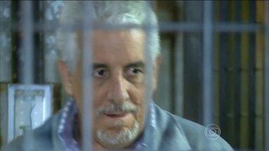 Justiça da Itália confirma a extradição de Henrique Pizzolato, condenado no mensalão - Ex-diretor do Banco do Brasil, Henrique Pizzolato fugiu para a Itália depois de ser condenado no processo do mensalão.