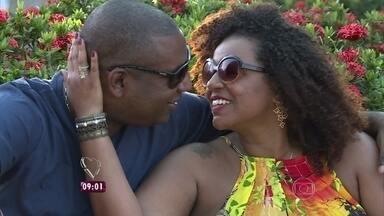 Conheça casal que se conheceu no trânsito e construíram uma vida juntos - Veja o que os dois dizem deste romance