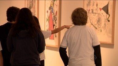 Exposição de Joan Miró atrai visitantes de todas as idades e regiões do estado - Exposição de Joan Miró atrai visitantes de todas as idades e regiões do estado