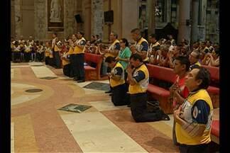 Missa do Envio marca preparação espiritual dos Guardas de Nazaré para o Círio 2015 - Momento é considerado de renovação dos votos para cumprir maratona de eventos e procissões da quadra nazarena.