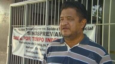 Após 50 dias, servidores do INSS suspendem greve no Amazonas - Categoria aceitou proposta de reajuste do governo, na quinta-feira (24).Servidores podem realizar mutirão para normalizar atendimentos.