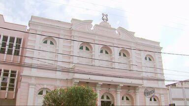 Início de reforma no teatro de Pouso Alegre (MG) está cinco meses atrasada - Início de reforma no teatro de Pouso Alegre (MG) está cinco meses atrasada