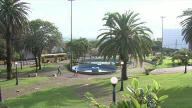 Prefeitura muda projeto Boa Praça para atrair interessados em adotar um espaço público - A intenção é facilitar o processo para que empresários e também moradores se interessem prelo projeto e ajuda a manter uma praça na cidade.