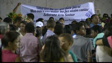 Velório de mãe e filha assassinadas no Grotão é realizado hoje em João Pessoa - Elas foram mortas a facadas e o principal suspeito é o marido de uma das vítimas.
