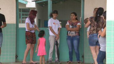 Pais reclamam que CMEI´s atingidos pelo granizo ainda não voltaram a funcionar - As crianças estão sem atendimento