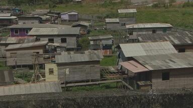 Estudo da Unifap avalia os impactos da ocupação irregular em áreas de ressaca - Um estudo da Universidade Federal do Amapá avalia os impactos da ocupação irregular das áreas de ressaca. A pesquisa constatou que o maior problema é a degradação do meio ambiente desses espaços que não são próprios para moradia.