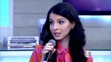Giselle Batista revela que sua irmã gêmea é sua melhor amiga - Atriz conta que consegue fazer os trejeitos da irmã
