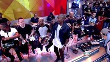 Turma do Pagode canta no Encontro 'Pente e Rala' - Música anima convidados e plateia