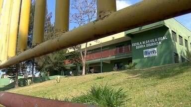 Alunos da rede municipal de ensino de Ibirité estão sem aulas - Os professores entraram em greve há quase duas semanas.