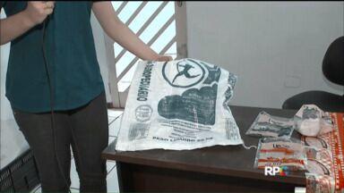 Polícia prende grupo acusado de vender sal adulterado em Cascavel - Segundo a Polícia Civil, a empresa fabricava temperos e adicionava sal bovino para revender para supermercados da região.