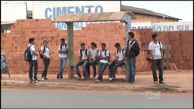 Usuários de coletivos de Açailândia reclamam de serviços - Usuários do transporte coletivo de Açailândia reclamam de serviços.